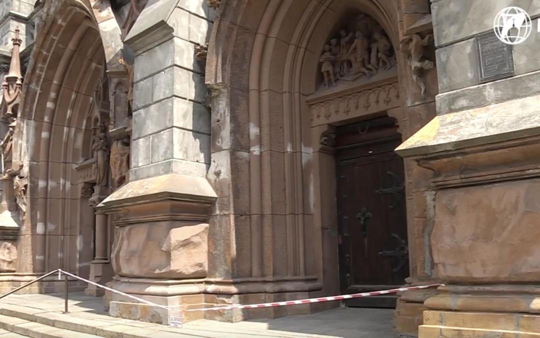Костел святого Миколая що у місті Київ розсипається на шматки