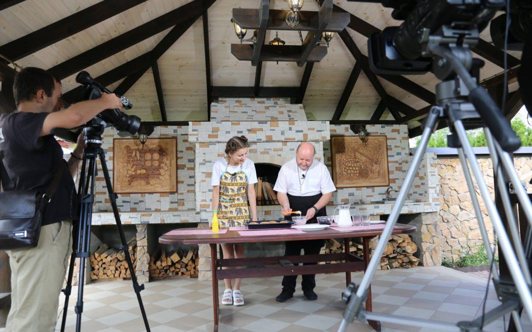"""""""Смак з монастиря"""" готуємо смачні страви з отцем Артуром ОМІ"""