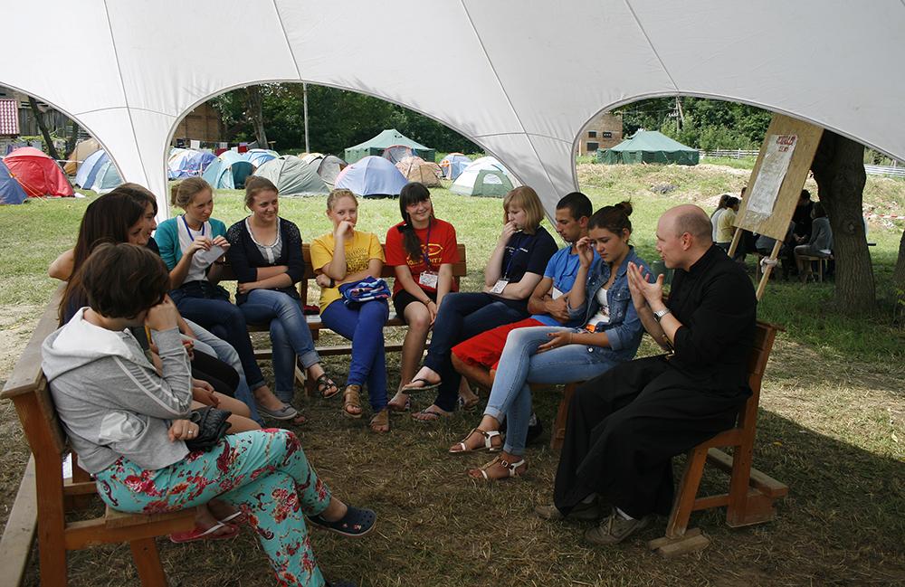 Молодіжний фестиваль ПОДИХ ЖИТТЯ у Тиврові – трансляції на EWTN